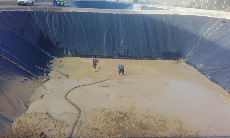 Vidanges fosses bassins de r tention d eau pour incendie fosses toutes eaux station d - Terrassement bassin de retention ...